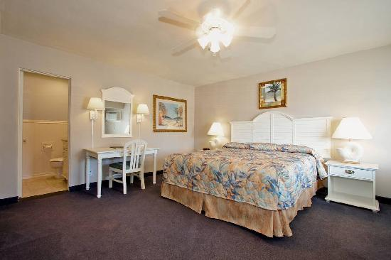 Del Mar Motel on the Beach: Room with King Bed