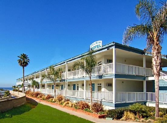 Welcome to the Del Mar Motel on the Beach