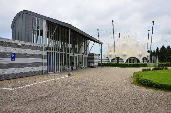 National Liberation Museum 1944 - 1945: Museum exterior