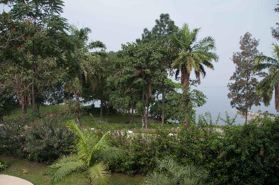 Gorillas Lake Kivu Hotel: View of Lake from balcony