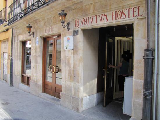 Revolutum Hostel: Façade de l'hôtel