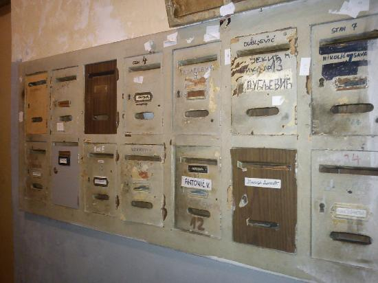 Belcity Hostel : The mailboxes downstairs - nice