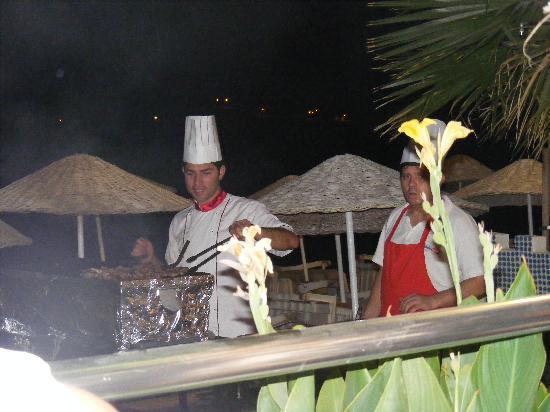 Turihan Hotel: BBQ night at Turihan  (lovely)