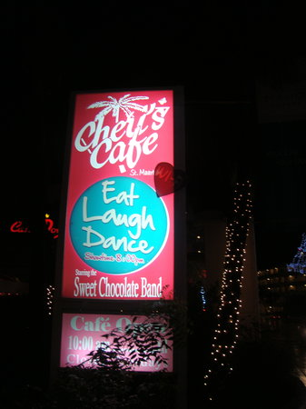 Cheri's Cafe : Out front