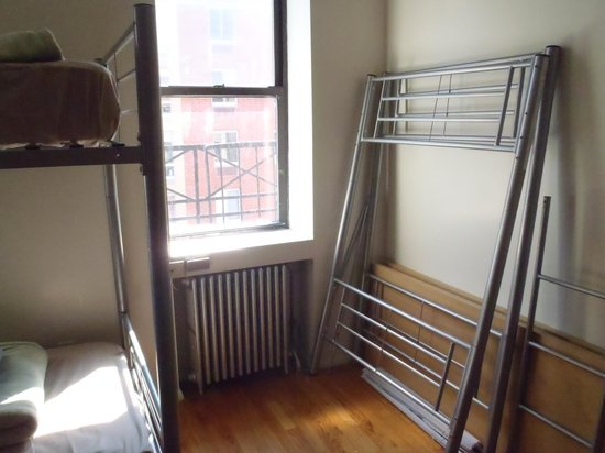 Times Square Dream Hostel: beds