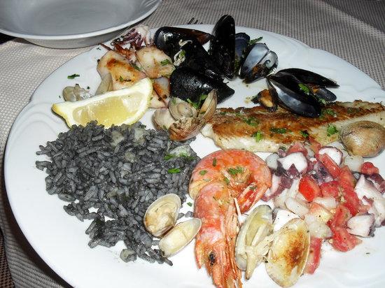 Konoba Marius: A mixed fish dish