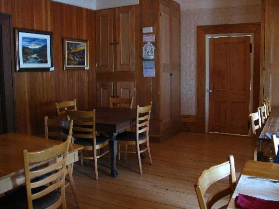 Auberge Comme Au Premier Jour : intérieur - salle a manger