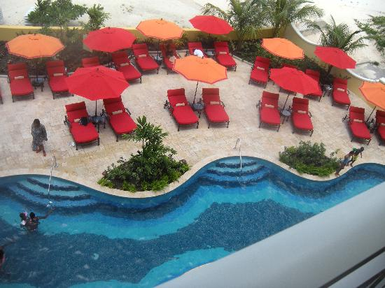 Ocean Two Resort & Residences: My pool View from balcony