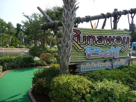 Runaway Bay Minature Golf