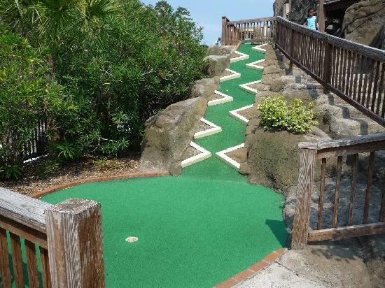 Runaway Bay Minature Golf: 18th hole