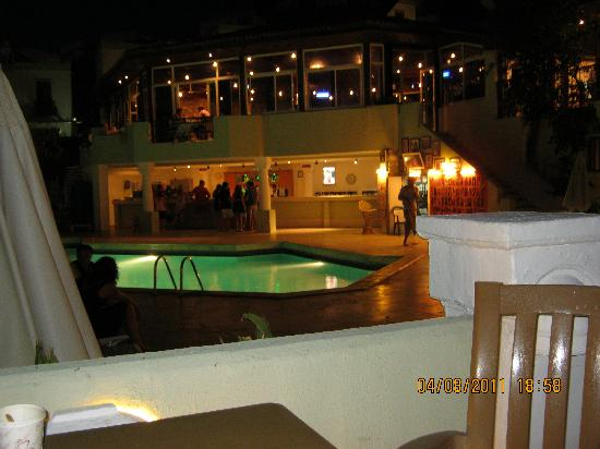Art Bodrum Hotel: bottom pool & bar