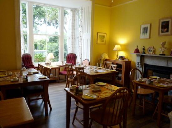 Rosalie Guest House: Breakfast room