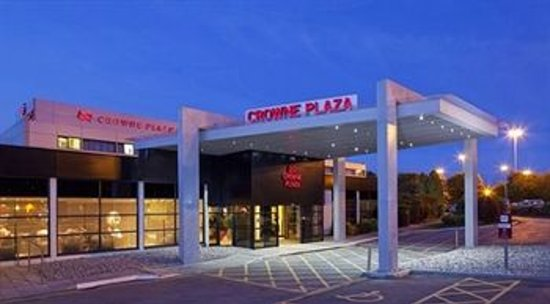 Crowne Plaza Manchester Airport : Exterior Photo