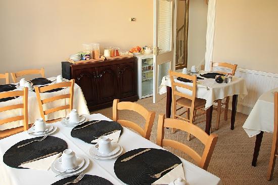 Riviera Nights Guest House: Frühstücksraum