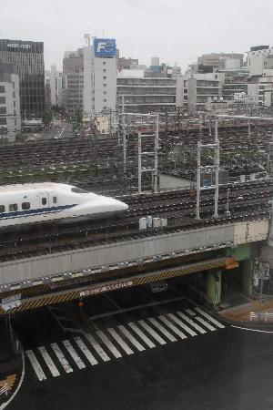 Super Hotel Nagoya-ekimae: Shinkansen passes in front of the hotel.The window was sound-proof,luckily.