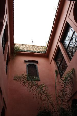 Riad Aderbaz: The yard