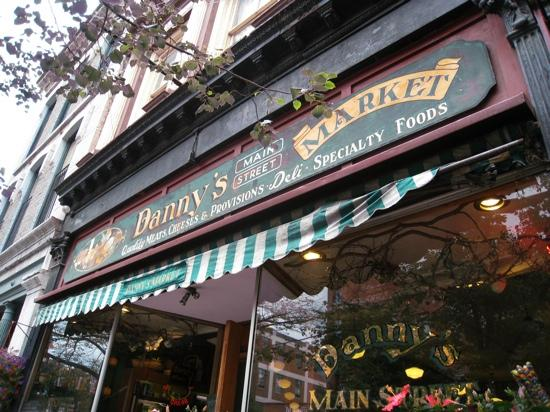 Danny's Market: Danny 's Main St Markrt