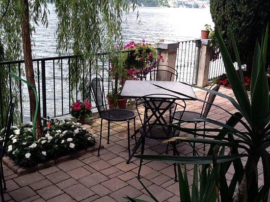 湖中鳥巢酒店