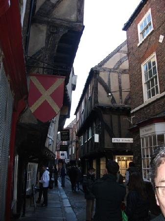 Goldsmiths Guest House : the shambles