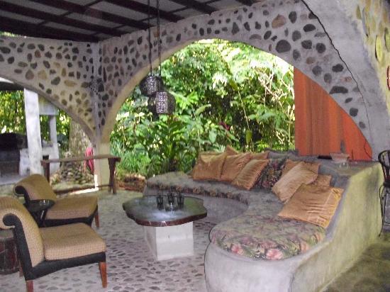 Casa Cangrejal B&B Hotel : Outdoor Living....