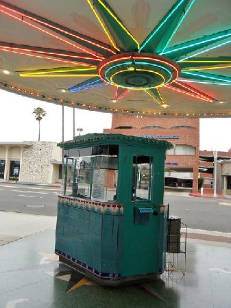 Lido Theatre: The ticket Booth at the Lido