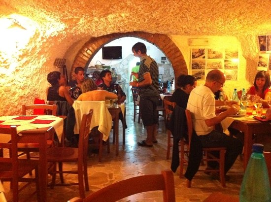 La Taverna: all'interno..