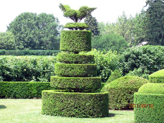 Fairville Inn Bed and Breakfast: TOPIARY GARDEN AT LONGWOOD GARDENS