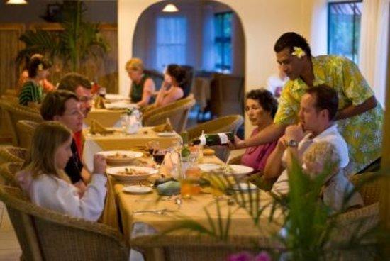 Spaghetti House Pizzeria & Grill: Spaghetti House family dining