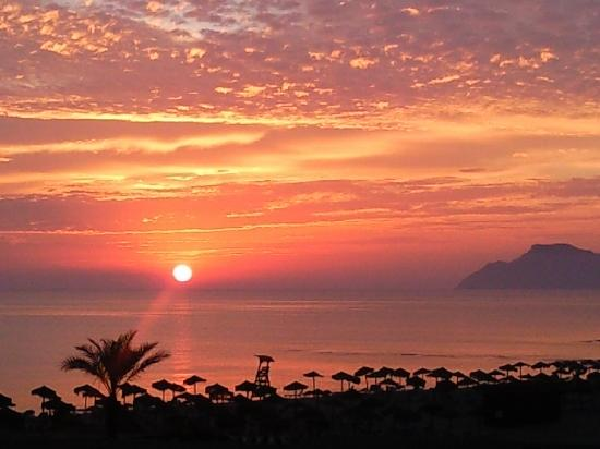 Hotel Son Baulo: The sunrise from the room!