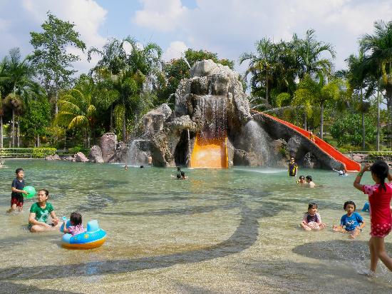 Felda Residence Hot Springs: Cool Spring Pool