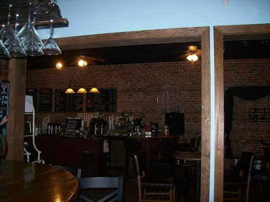 Cru Wine Bar & Beaufort Coffee Shop : From the bar area looking towards the Coffee Shop