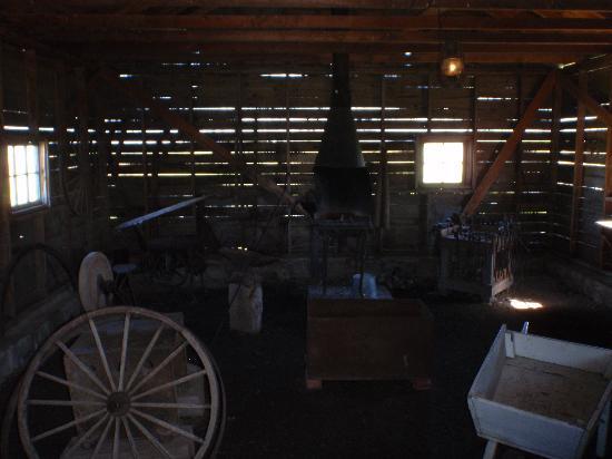 Cannington Manor Provincial Park: Blacksmith