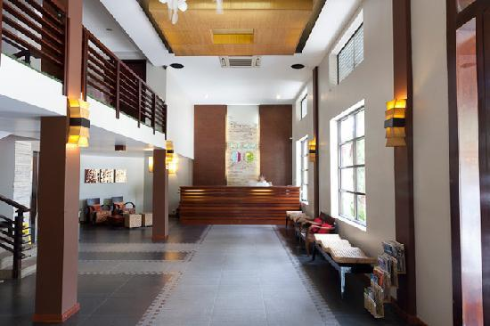 Hotel Cara: 24 Hr Frontdesk