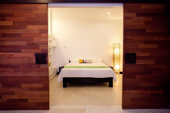 Hotel Cara: Family Room - NEW
