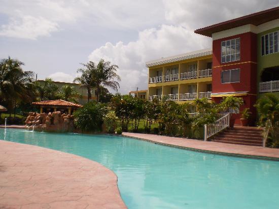 Hotel Punta Maracayo: pool area