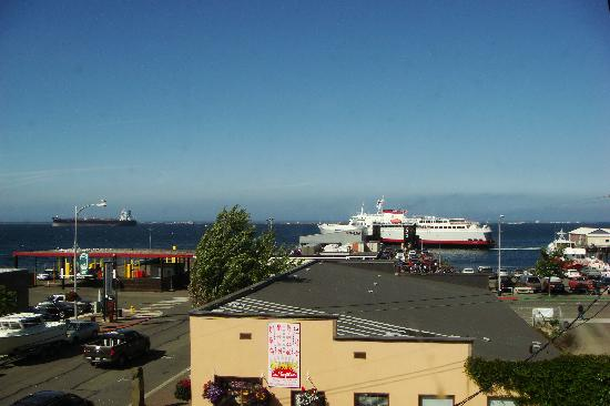 Port Angeles Downtown Hotel: View from Room 10