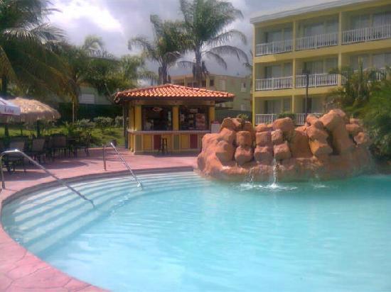 Hotel Punta Maracayo: pool area @ PMR