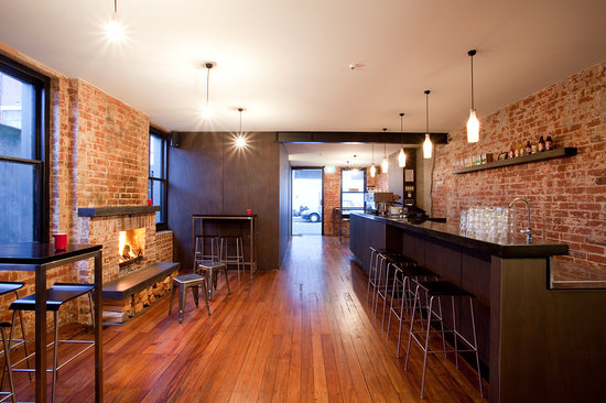 Diesoline Espresso: The front room with the open fire