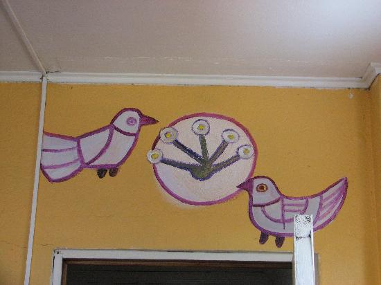 Hostel Casa Ridgway: Room 9 - an artist painted the room dedicated to Rufina Amaya.