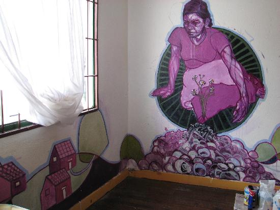Casa Ridgway Hostel: Room 9 - an artist painted the room dedicated to Rufina Amaya.