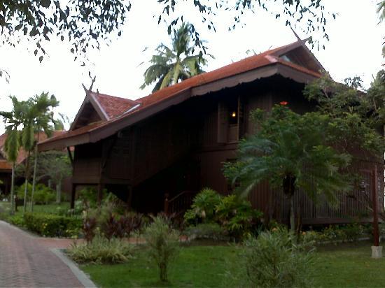 เมอริทัส เปอลังงี บีช รีสอร์ท แอนด์ สปา ลังกาวี: The Chalets at the resort, which comprise 8 rooms.