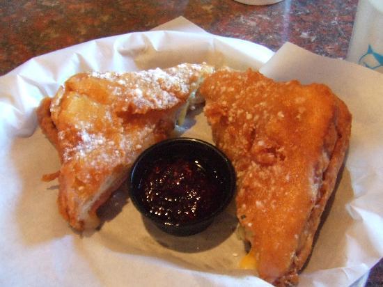 Soda Steve's: delicious Monte Cristo sandwich