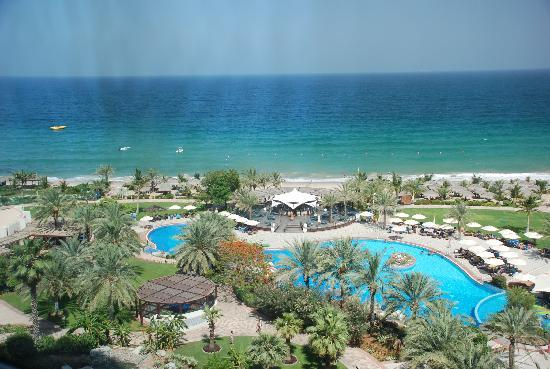 Le Meridien Al Aqah Beach Resort: View from our Room (5th Floor)