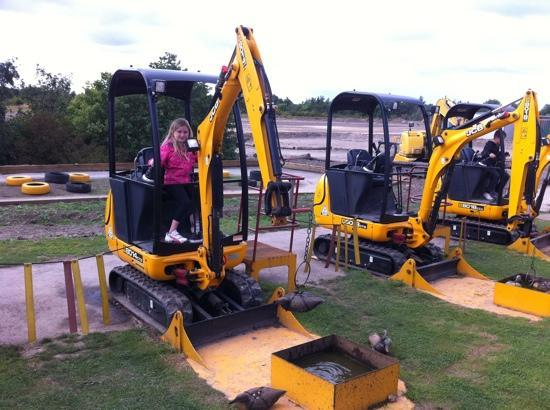 Castleford, UK: Hook a Duck (JCB STYLE)