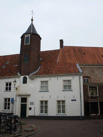 A sample of muurhuizen