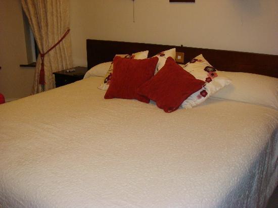 Brook Manor Lodge: letto