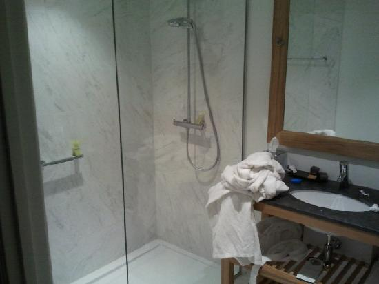 Sandton Grand Hotel Reylof: bathroom