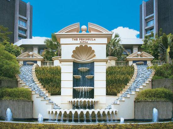 The Peninsula Manila: Hotel Exterior