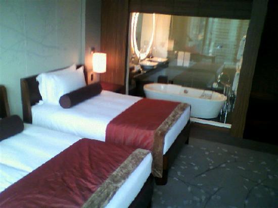 โรงแรมคอนราด โตเกียว: ベッド