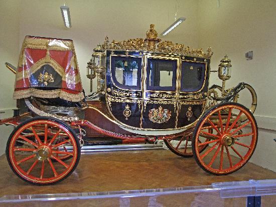 The Irish State Coach Picture Of Royal Mews London